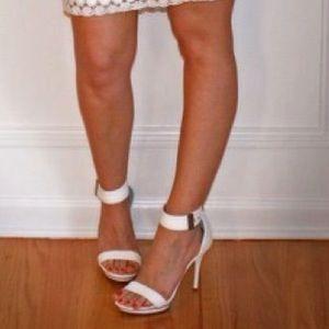 b7462d93d2e5 Jennifer Lopez Shoes - 💞Jennifer Lopez for Kohl s Cindi Sandals💞